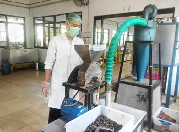 Teknologi Diversifikasi Produk Nirlimbah Kakao secara Simultan