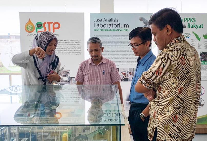 BPPT Menjajaki Pengembangan Pengolahan Produk dan Limbah Kelapa Sawit Secara Enzimatis
